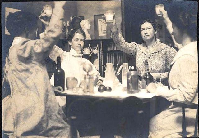 As catro mulleres en 1901